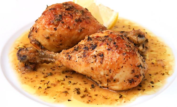 Muslos de pollo al horno con limón y vino blanco